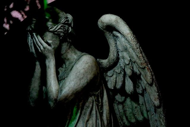 File:Never blink, never close your eyes, and never look away, only just stare at Weeping Angels.jpeg