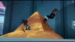Lugie Me! - Sand Pyramid