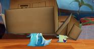 Śluzaki tańczą z pudełkami