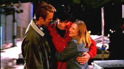 File:Clark, Martha, and Jonathan (Smallville)6.jpg