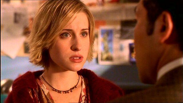 File:Chloe Sullivan (Smallville)11.jpg