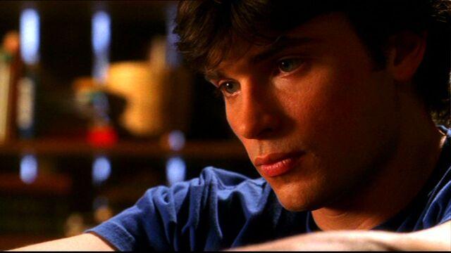 File:Clark Kent (Smallville)26.jpg