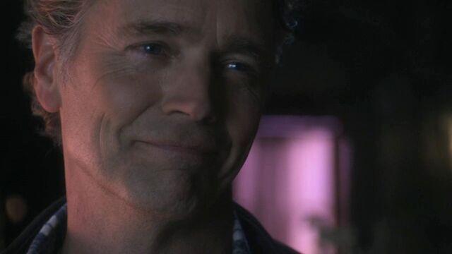 File:Jonathan Kent (Smallville)3.jpg