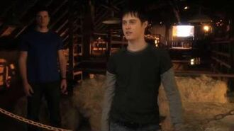 Smallville 10x16 - Scion - Conner discovers Clark is the blur + meets Lois