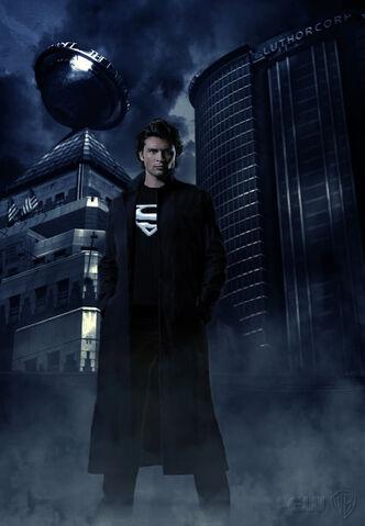 File:Smallville Season 9 poster.jpg