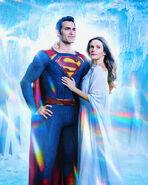 Tyler Hoechlin and Elizabeth Tulloch as Superman-Lois