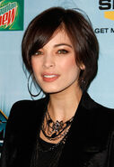 Kristin kreuk short hair