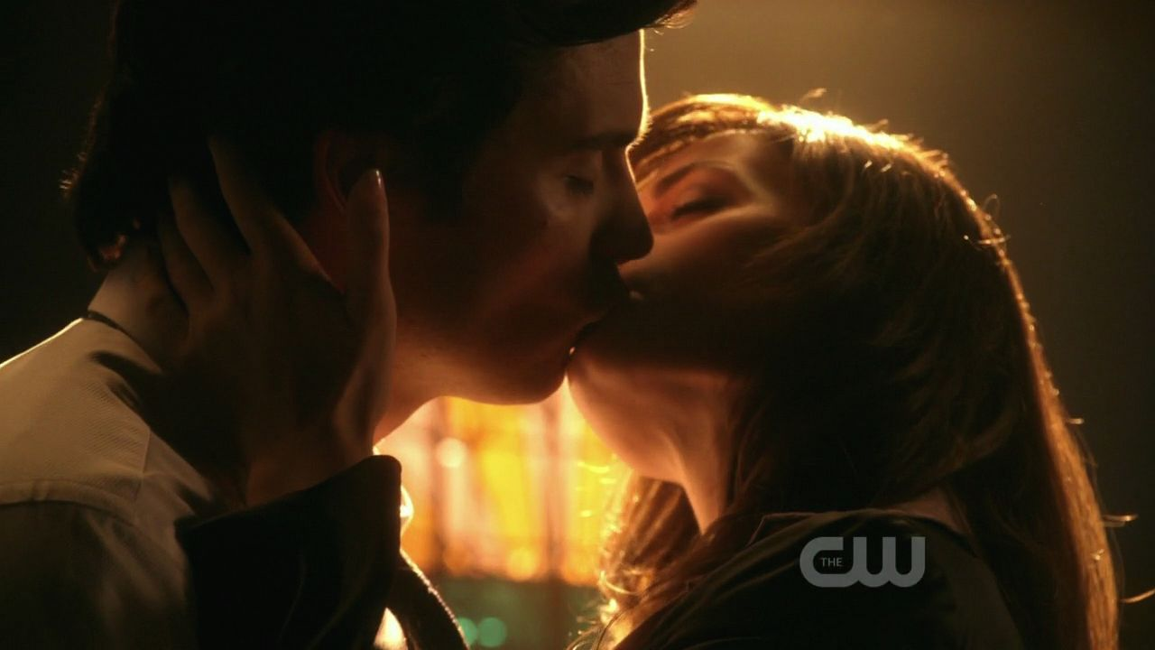 When Do Clark And Lois Start Dating Smallville