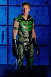 Oliver Queen Smallville 001
