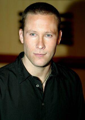 Michael-rosenbaum-20041128-16236