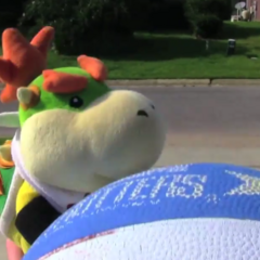 Bowser Junior with a Basketball