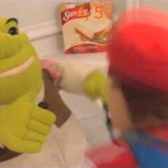 Shrek is in the bath