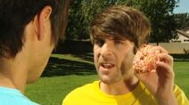 FOOD-BATTLE-2011-smosh-ian-hecox-and-anthony-padilla-25557798-500-279