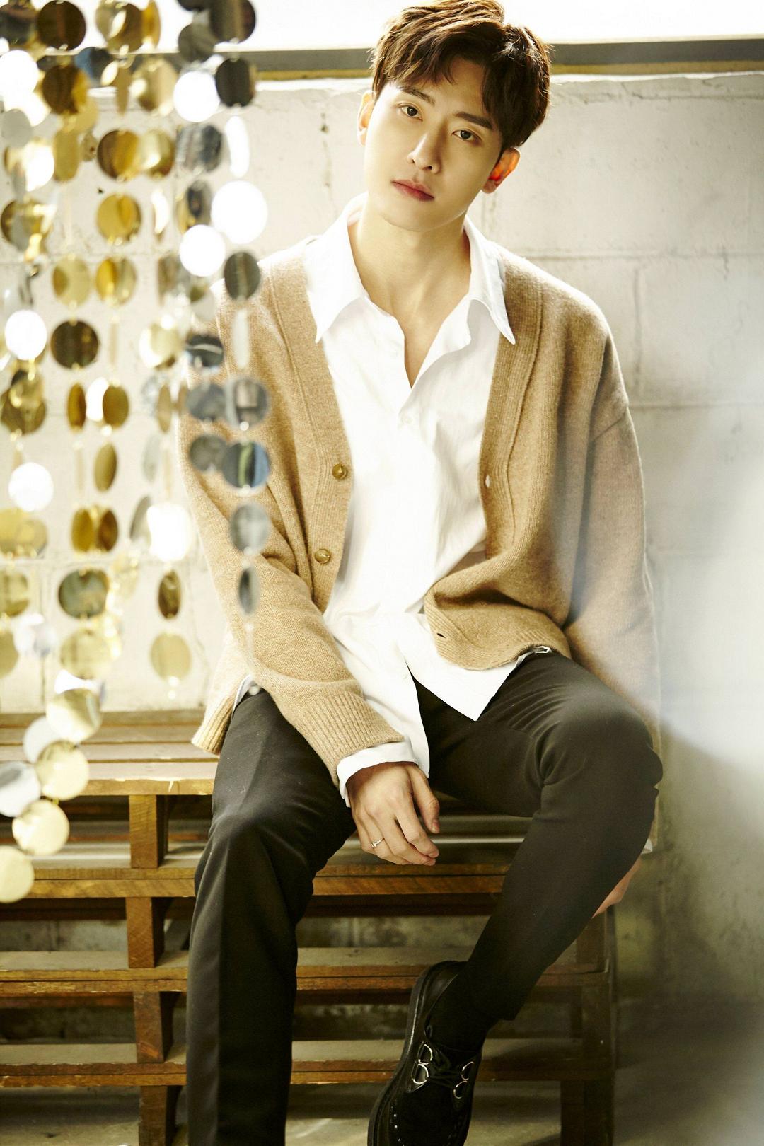 exok_Zhou Mi | SMTown Wiki | Fandom