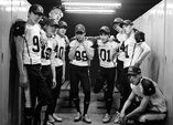 Exo love me right photo 2