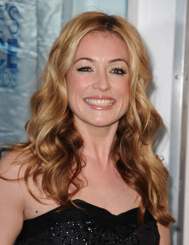 File:Cat Deeley.jpg