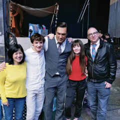 Lam, Hynes, Warburton, Weissman and Sonnenfeld celebrate the Baudelaires' series wrap on