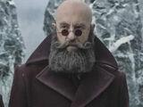 Мужчина с бородой, но без волос