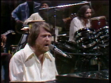Brian-wilson-performs-back-home-11-27-76
