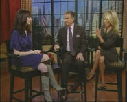 Anne Hathaway - Live with Regis and Kelly (2006-10-01)1