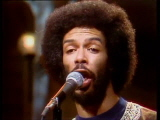 Gil-Scott-Heron-Performs-a-lovely-day-12-13-75