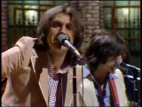 The-kinks-perform-a-medley-2-26-77