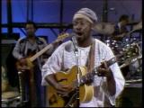 Taj-mahal-performs-queen-bee-10-8-77