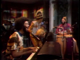 Gil-scott-heron-performs-johannesburg-12-13-75