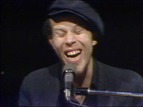 Tom-waits-performs-eggs-and-sausage-4-9-77