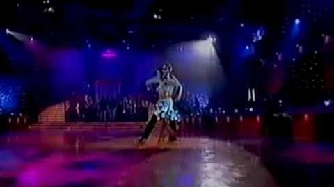 Chris hemsworth dancing