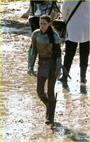 Kristen-stewart-snow-white-set-02