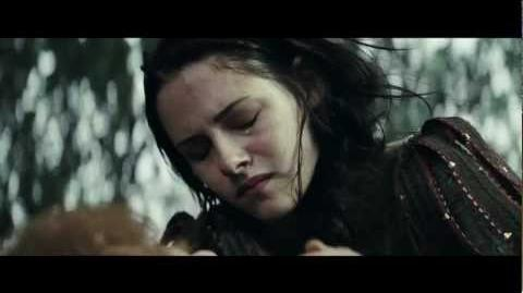 "Snow White and the Huntsman - Featurette ""The Story of Snow White and the Huntsman"""