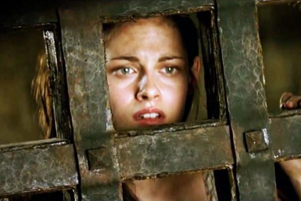 File:Snow White in Prison 2.jpg
