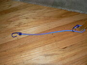 P1040646 bungie cord as tension hook