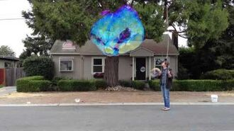 20130823 Cool Color Change in Giant Bubble