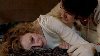 Downton-abbey-s3e2-edith-crying-after-jilted-x-400