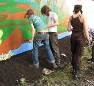 File:Guerrilla gardening.jpg
