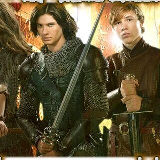 Os irmãos Pevensie, e o Príncipe Caspian.