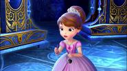 Forever Royal Sofia Holding Necessi Key 2