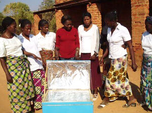 Solar box cooker demonstration in Congo-Katanga, Musonda, 11-15-17