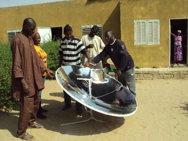 File:Solar Cooker BS-M2 in Africa.jpg