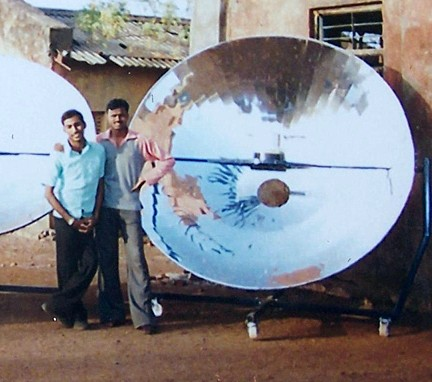 File:Community solar cooker 2007.jpg
