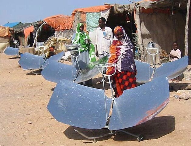File:Somalia villagers with cookers.jpg
