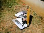 Cuiseur solaire à panneaux