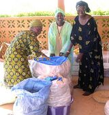 Using rice bags to build a heat-retention cooker