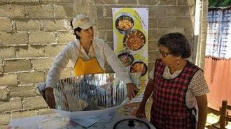 Solar Cookers Produce More Than Food for Mexican Women-1