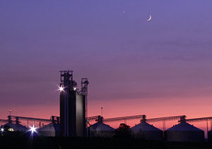 File:Sunset at Grain Elevator 012 Cropped more.jpg
