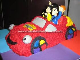 Coolest-wiggles-big-red-car-cake-27-21337624