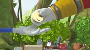 S1E31 Eggman pay Sonic