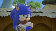 Sonic crossing his arms